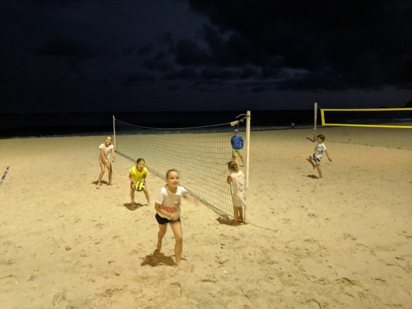 Séance Volley des enfants pendant l'apéro de parents