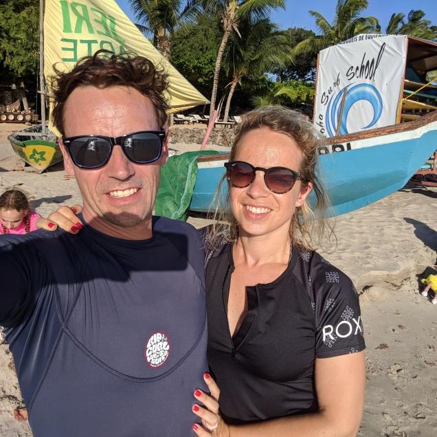 Nos nouveaux maillots pour une première sortie surf (merci les amis)